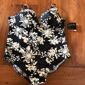 Newport News Plus Size Swimsuit-NWT